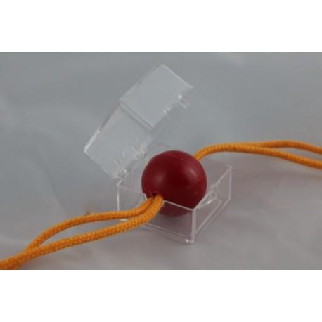 Pallina bucata con 2 cordicelle